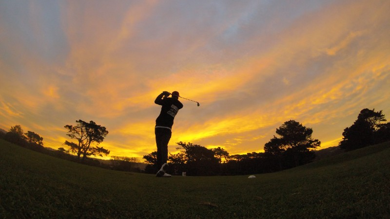Sunset golf - Do Expensive Golf Balls Make A Difference To Your Game?