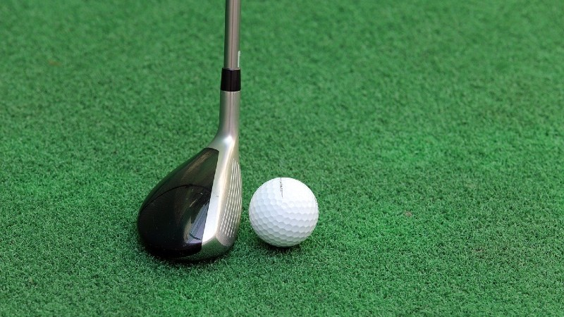 hybrid gold club - Pros and Cons of a Hybrid Golf Club: Should You Be Using Them?