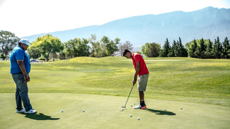 two men playing golfs 1325672 1 - Are Golf Lessons Worth the Money?